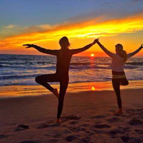 A True Friend Reaches For Your Hand & Touches Your Heart! #SunsetYoga with this #BeautifulSoul #TrueFriend #SoulSister #Angel @gingerannlewis