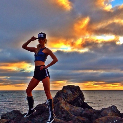 There is never a crowd on the leading edge, that's why you have to believe in yourself. ️ #GoodMorning #Sunrise #Inspiration #BelieveInYourself #BeConfidence #LeadFromWithin #StandTall #BeStrong #KeepTheFaith#PhotoShoot #BTS with @benhortonstudio @benhortonphoto @girliebytinalevine @emilyraemakeup & @beauty_in_wonderland #LAModels #Fashion #Fierce #Sundown #SunUp #Vogue #Converse #NikeGirl #FitGirl