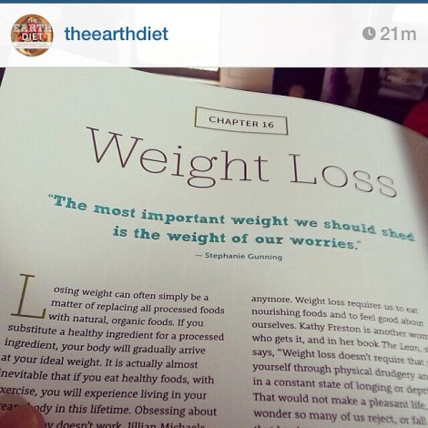 """In regard to over-eating tomorrow… """"The most important weight we should shed is the weight of our worries."""" ~ Stephanie Gunning#DontWorry #BeHappyReposting a repost from @lianawernergray @theearthdiet (Buy This Book!) via @fromthekiwigirl #PlantPower #TheEarthDiet"""