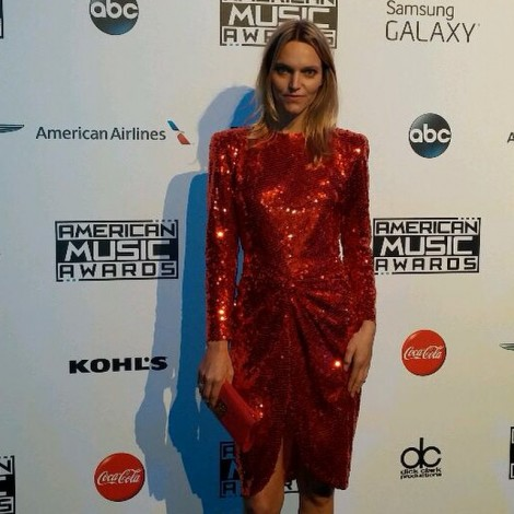 I love music & I loved wearing this #gorgeous #sparkly #red #sequin #vintage #dress from @decadesinc to the #AMAs last night. The show was #amazing @abc @theamas ️