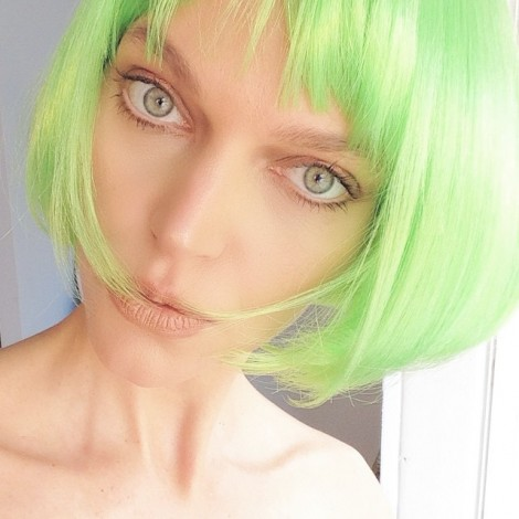 Sending you some  today from my shoot today with @kaopaoshu #Green the color of #Life #Renewal, #Nature  & #Energy is associated with meanings of #Growth #Harmony freshness, safety, fertility, and environment. Green is also associated with #Money