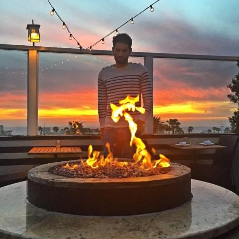 The man that lights my sunset afire… ️ #TheMan #MyMan #SunsetLove #LightMyFire L'homme qui qui embrase mon coucher de soleil… #LHomme #MonHomme #CoucherDeSoleil #Amour